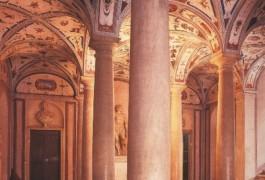 Grottesche e colonne in marmo